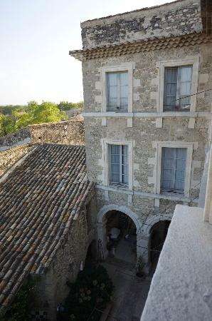 Le Posterlon: view of main entrance building from upstairs window