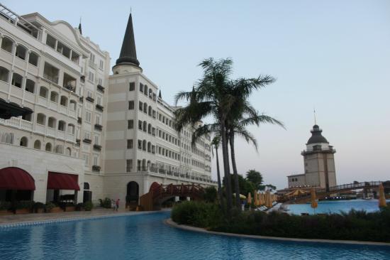 Mardan Palace: Одна из сторон