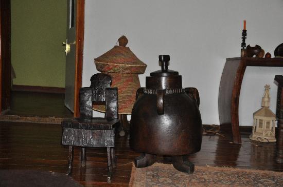 Abbaba's Villa: traditional Art
