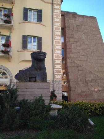 Grand Hotel Savoia: Фасад