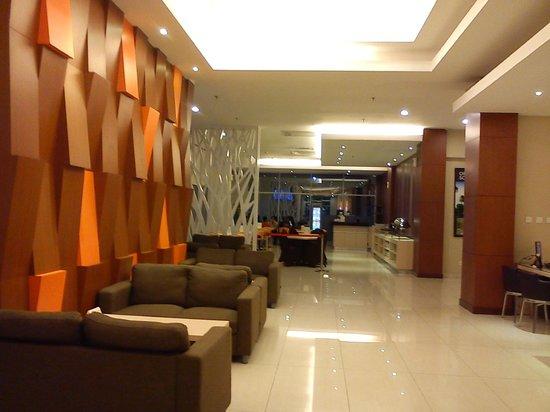 V ホテル - バンドン