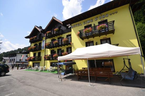 Fronte Dell Hotel Picture Of Hotel Cime D Oro Madonna Di Campiglio Tripadvisor