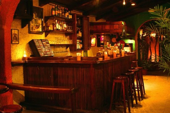 Roots Jazz Club : The cozy Roots Bar