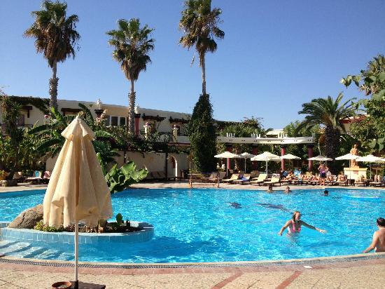 Apollon Hotel: la piscina