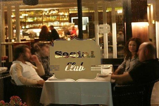 Social Club - Modern Bistro : Logo
