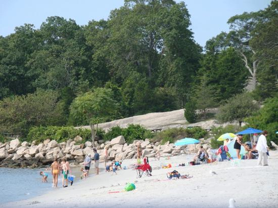 East Lyme, CT: Beach at Rocky Neck