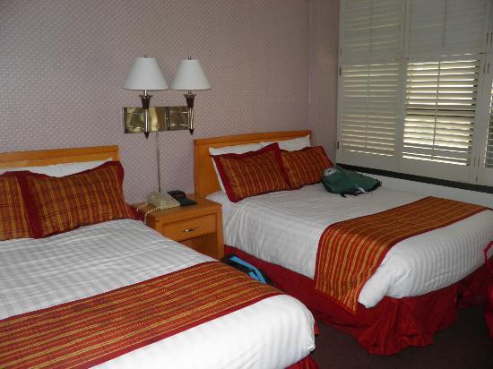 Grant Plaza Hotel: CHAMBRE FAMILIALE