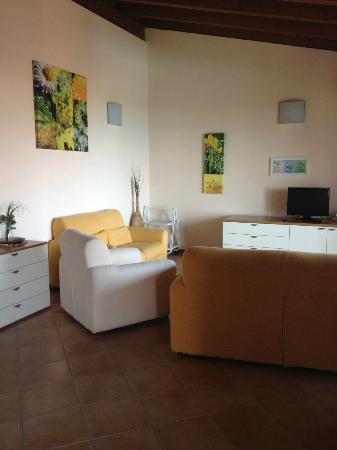 Corte Ferrari : lounge area