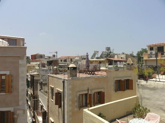 Amphora Hotel: Rückseite, Blick auf die Dächer der Altstadt