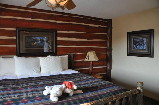 Stoney Creek Hotel & Conference Center - Moline: bedroom area