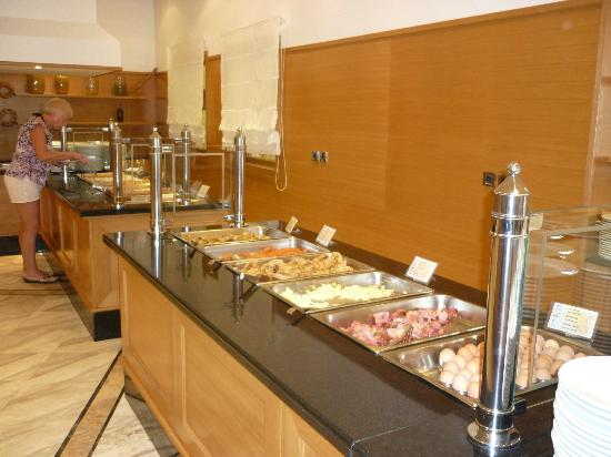 Mitsis Rodos Maris Resort & Spa: buffet au petit dejeuner