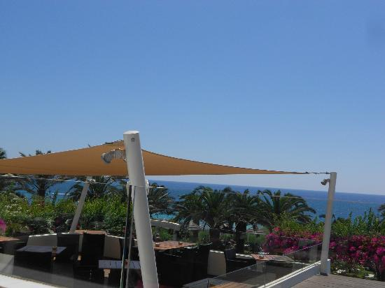 Alion Beach Hotel : A view of the dining terrace
