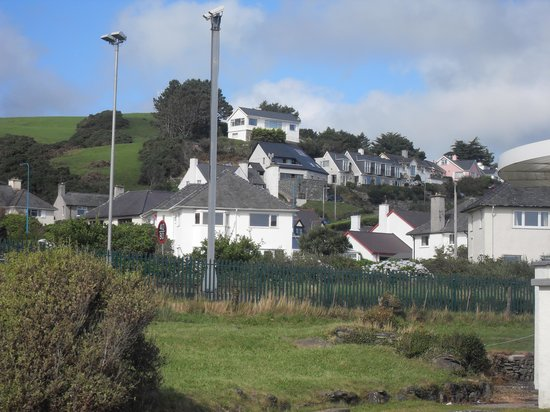 Gwenddwr: The B and B from the sea front