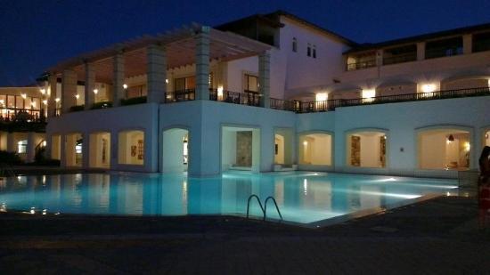 Creta Maris Beach Resort : This pool was hardly used.