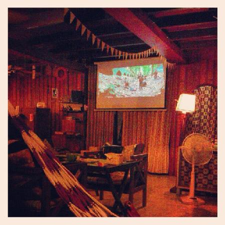 Woody A Shop&Bar: Movies and SonyPlayStation on the big screen