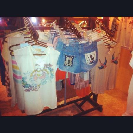 Woody A Shop&Bar: Cute shop
