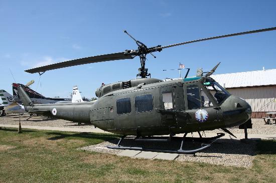 Prairie Aviation Museum: le UH-1 est ouvert aux enfants