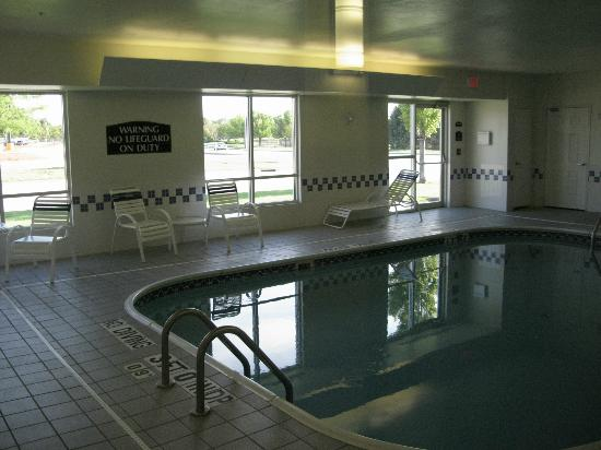 Comfort Suites Bloomington Normal: jolie petite piscine