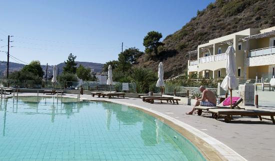 Swimming pool Hotel Almyra Village