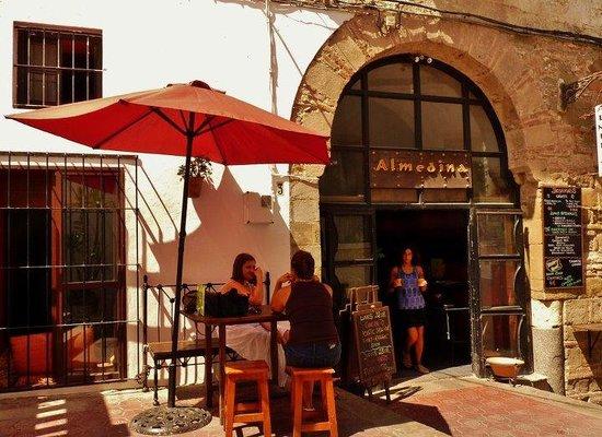 Calle almedina tarifa fotos n mero de tel fono y restaurante opiniones tripadvisor - Hoteles con encanto en tarifa ...