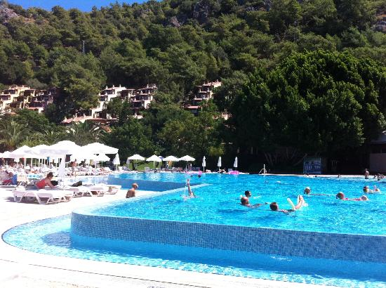 Hillside Beach Club: piscina