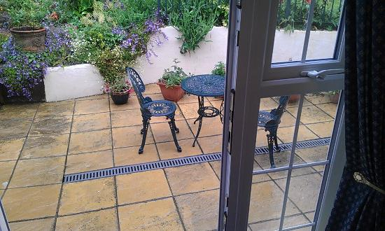 Rosedene Guest House: Outside Private Patio off Room French Doors