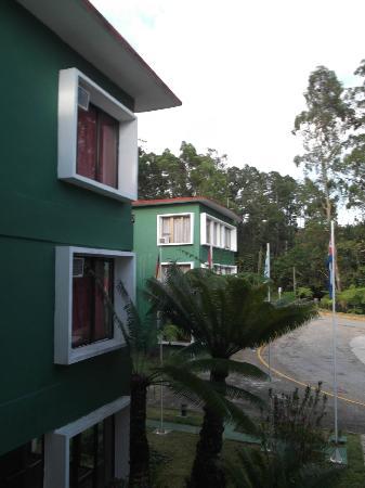 Hotel Los Helechos: Moderne et bien entretenu -16 avril 2012.