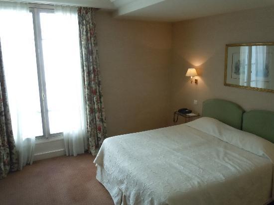 entrance foto de h tel le littre paris tripadvisor. Black Bedroom Furniture Sets. Home Design Ideas