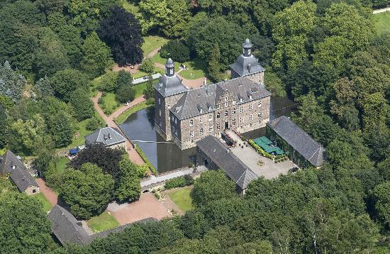 Schlosshotel Hugenpoet: Außenansicht