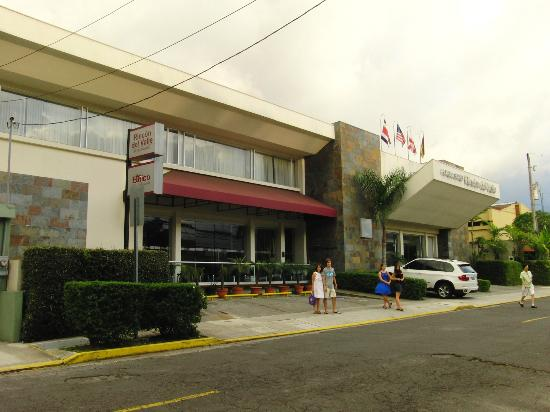 Rincon del Valle Hotel & Suites: street view