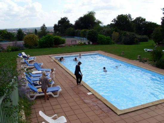 Logis Aloe : The pool from the tarrace