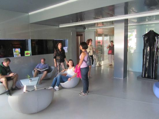 atrio picture of hotel zone rome tripadvisor. Black Bedroom Furniture Sets. Home Design Ideas