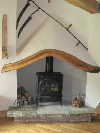 The Cottages: Little Orchard Fireplace