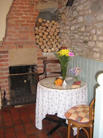 Bramwood Guest House: My cozy kitchen