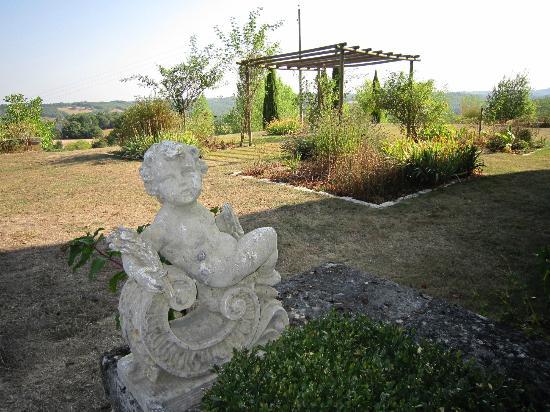 Coteau de Belpech : vue sur une parti du jardin