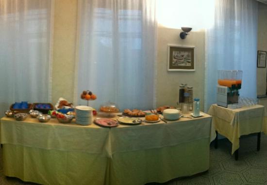 Hotel Mambo: buffet colazione
