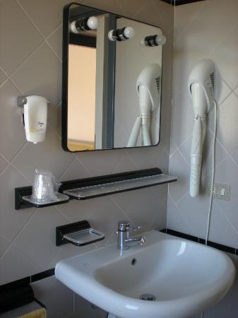 Hotel Mambo: bagno