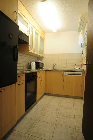 Kurhauspark Ferienwohnungen: 3-room flat kitchen
