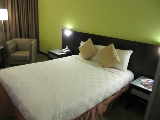 Hotel Novotel Kuala Lumpur City Centre: bed