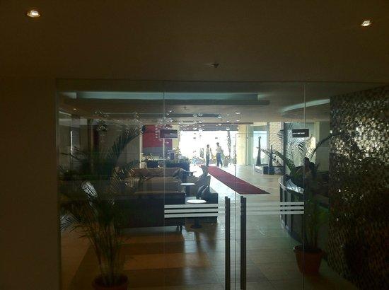 Nandana Boracay: lobby door from main room area