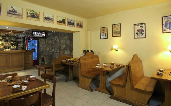 Hostería Nogare: Desayunador/Bar