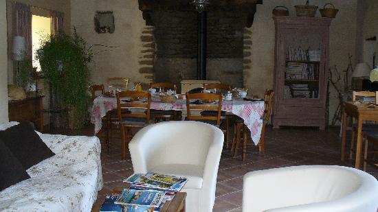 Le Petit Chatelier : Relaxing/breakfast room