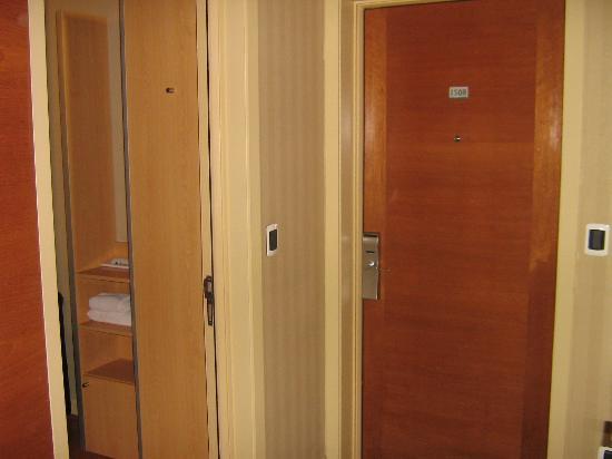 هوتل نوفوتيل سانتياجو فيتاكورا: Entrada do quarto. 