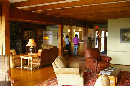 The Mountain Top Inn & Resort : the lobby