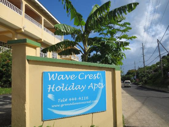 Wave Crest Holiday Apartments: the entrance to the apartment