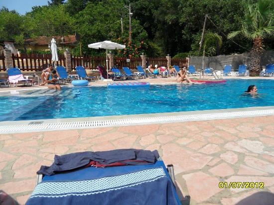 Lavrion Studios: excellent pool