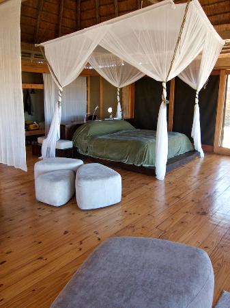 """Wilderness Safaris Vumbura Plains Camp: Our """"Tent"""""""