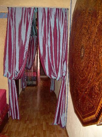 Hotel Peralta: Detalles etnicos AKABA