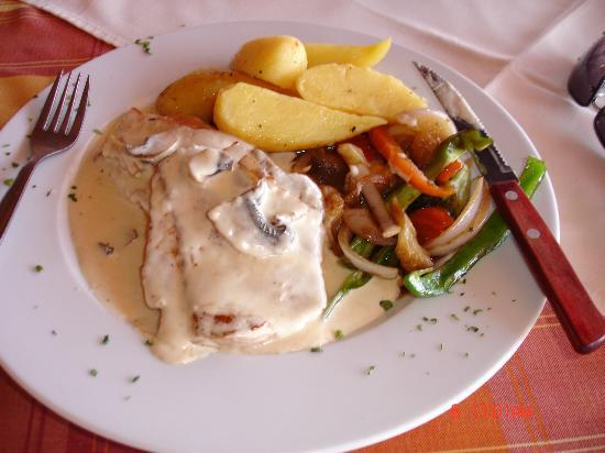 Captains Restaurant En Fillet A La Creme