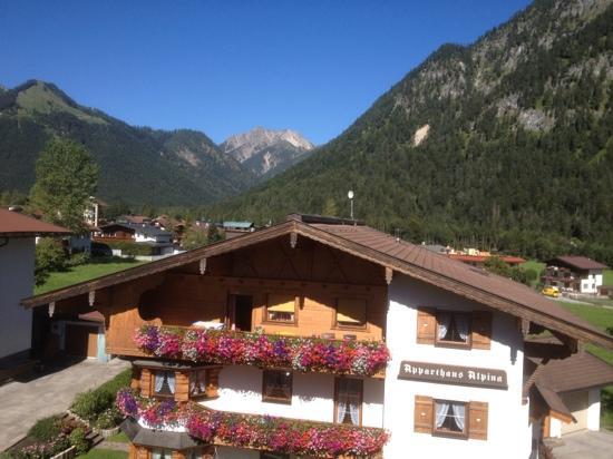 Hotel das liebling: balcony view